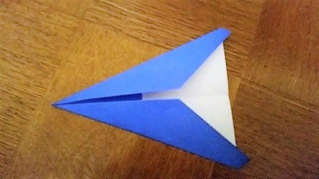 更に中心に合わせ折る,折り紙,工作,