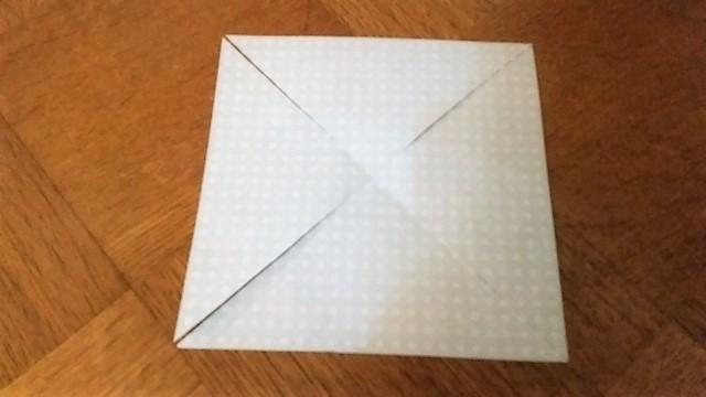 切り目を入れた折り紙(オリジナル),折り紙,工作,