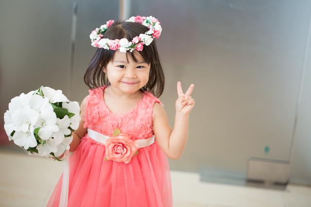 ピンクドレスを着た女の子,子ども,フォーマル,