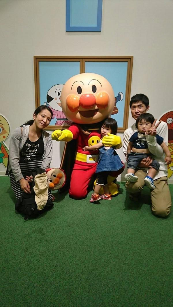 座っているアンパンマン,神戸,アンパンマンこどもミュージアム,