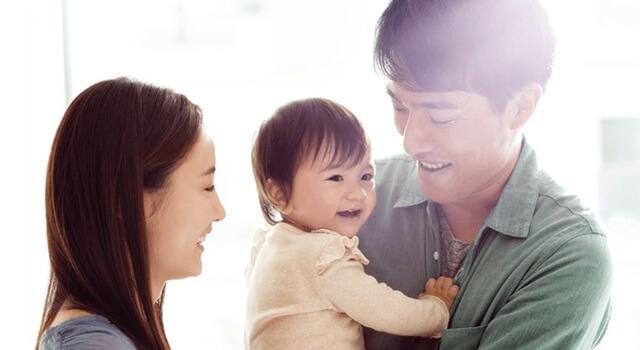 仲の良いママと赤ちゃんとパパ Amazonファミリー,Amazon,ファミリー,