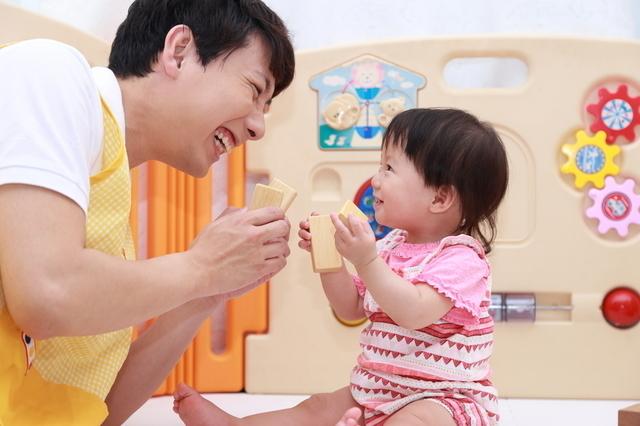 保育園子ども先生,中耳炎,赤ちゃん,