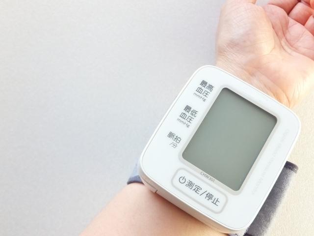 血圧計の写真,19週,お腹,