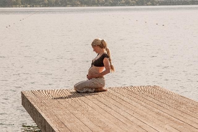 妊婦さんの写真,妊娠後期,お腹の張り,