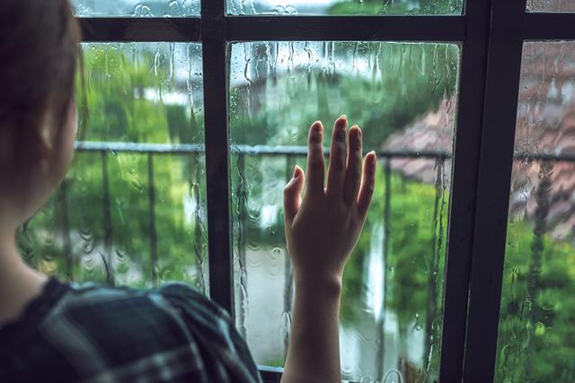 雨 体調不良のイメージ,妊娠初期,眠気,