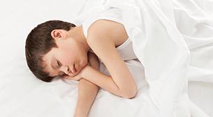 眠っている子ども,夢,オシッコ,おねしょ