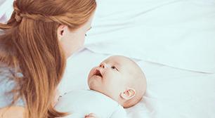 赤ちゃんの笑顔,母乳,出すぎる,