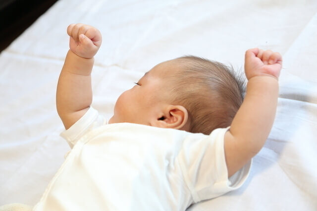 68e85b6d4be72 8月生まれの赤ちゃん出産準備|肌着・ベビー服の県別平均枚数|cozre ...