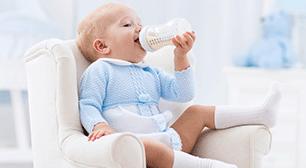 牛乳を飲む子,牛乳,遺伝,