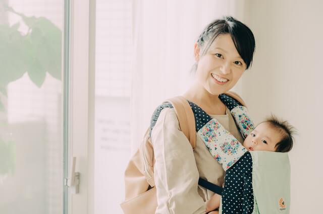 抱っこひもで赤ちゃんと外出するママ,折りたたみ傘 ,レディース,