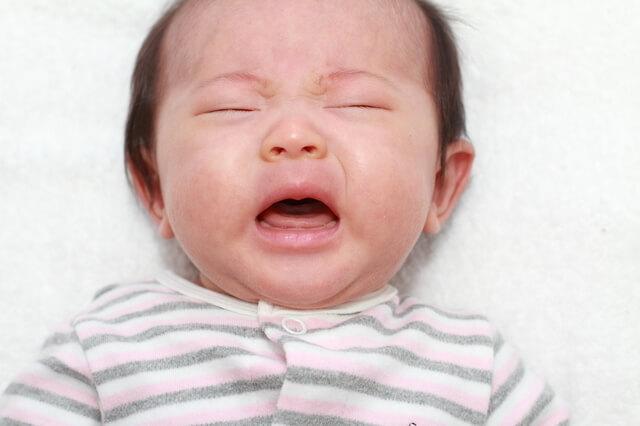 泣き顔の赤ちゃん,赤ちゃん,体温調節,