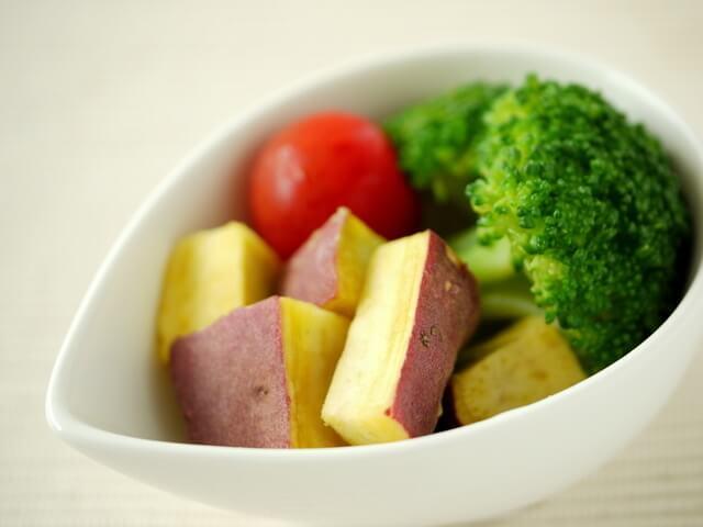 茹で野菜の盛り付け,離乳食,だし,おかゆ