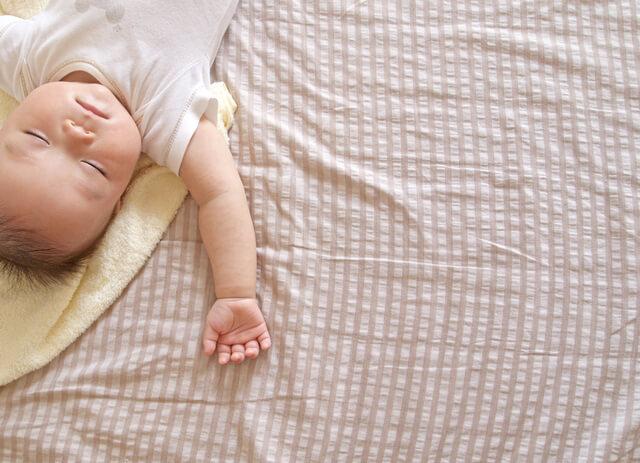 昼寝をする赤ちゃん,汗取り,パッド,赤ちゃん