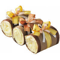 おむつのロールケーキ,100均,出産祝い,おむつケーキ