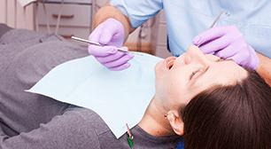 歯の治療を受ける女性,早産,診断,