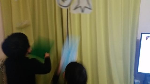「フワフワマン」で遊ぶ子どもたち,工作,材料,簡単
