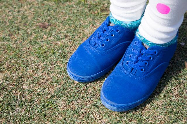 靴紐や留め具がなく履きやすい靴,子供用,スリッポン,