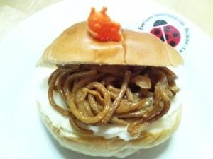 ロールパンで♪冷凍焼きそばと目玉焼きのサンド,お弁当,冷凍食品,