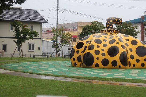 十和田市現代美術館のアート広場,十和田市現代美術館,青森県立美術館,見どころ