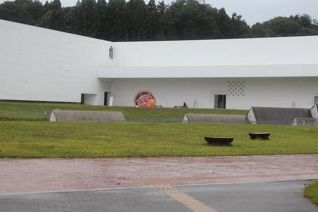 青森県立美術館の外観,十和田市現代美術館,青森県立美術館,見どころ