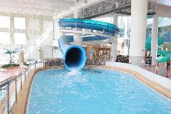 多摩市立温水プール アクアブルー多摩のアイランドスライダー,スライダー,プール,関東
