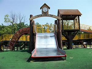 九宝寺緑地の滑り台(もくもく元気広場),大阪府,アスレチック,公園