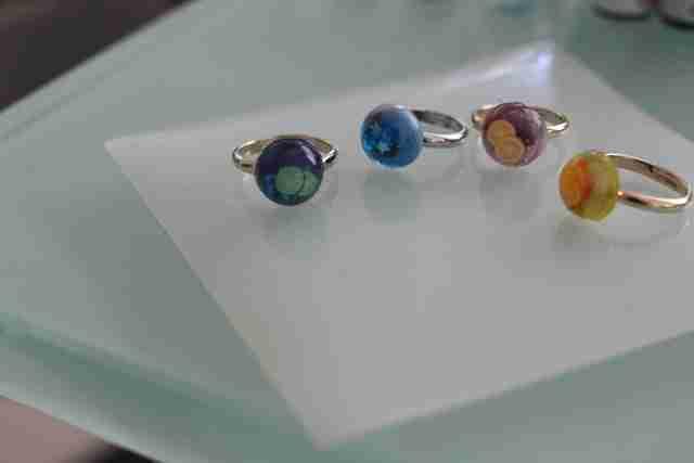 100均&パーツクラブのアイテムを使ったUVレジン指輪のできあがり!,パーツクラブ,指輪,100均