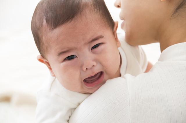 泣いている赤ちゃん,