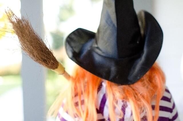 魔女の仮装イメージ画像,ハロウィン,折り紙,