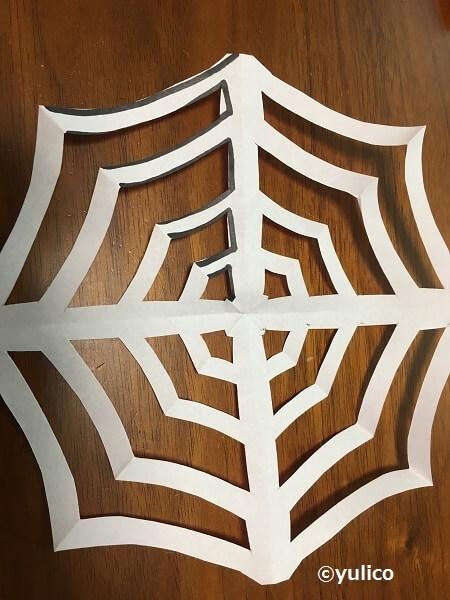 クモの巣の完成形,ハロウィン,折り紙,