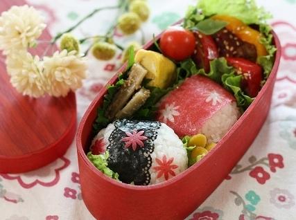 花模様のおにぎり,秋,お弁当,