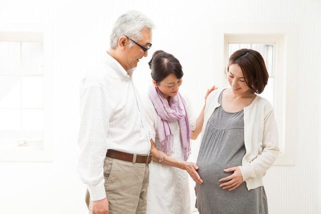 里帰り出産の妊婦,妊娠,伝え方,