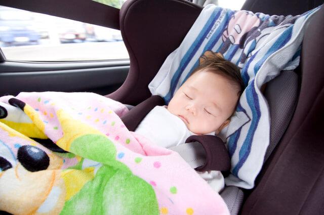 チャイルドシートで眠る赤ちゃん,チャイルドシート,レンタル,比較