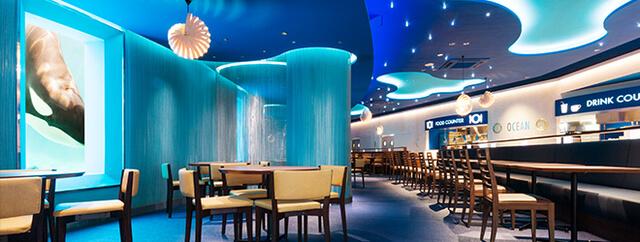 シャチを見ながら食事のできるレストラン内観,水族館,千葉,