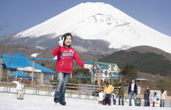 富士山2合目のゆうえんち「ぐりんぱ」のスケート場,遊園地,ぐりんぱ,