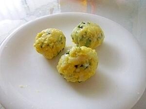 離乳食後期◎卵とほうれん草の一口おにぎり,離乳食,5倍粥,