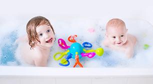 知りたいと希望されています。専門家からのアドバイスを見ていきましょう。 2歳児のママさんからの相談「娘がお風呂に入りたがらない」,