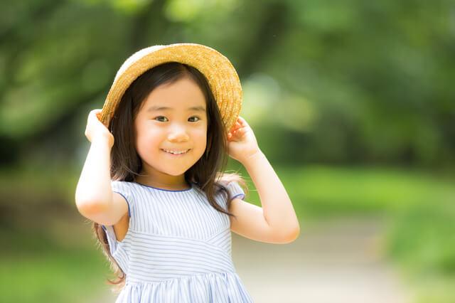 麦わら帽子の女の子,子ども,帽子,