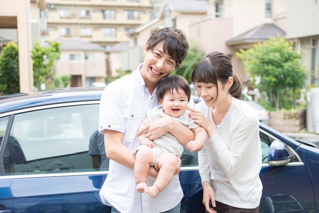 家族でドライブ,チャイルドシート,日本育児,