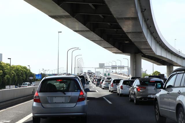 大渋滞,チャイルドシート,日本育児,