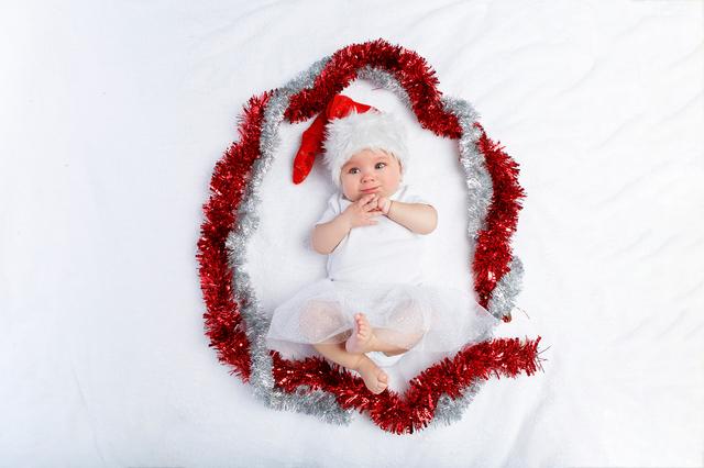 クリスマスリースになった赤ちゃん,赤ちゃん,クリスマスプレゼント,
