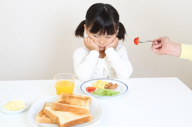 トマトを嫌がる女の子,野菜,絵本,