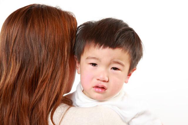 泣く男の子,保育園,幼稚園,泣く