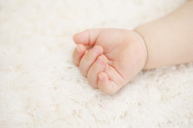 布団で昼寝中の赤ちゃん,ベビー布団,おすすめ,