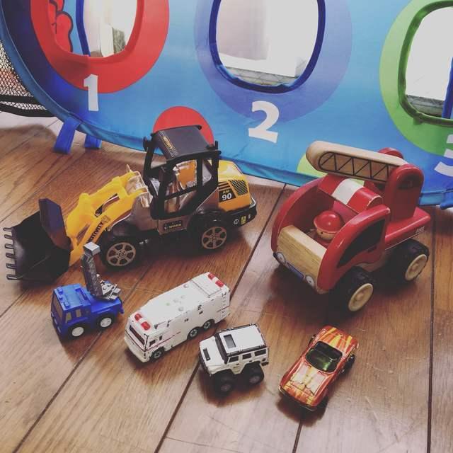 本物にそっくりのミニチュアの自動車,ミニカー,おもちゃ,