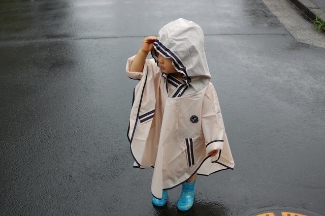 レインコート、ポンチョを着た子ども,ランドセル対応,レインコート,