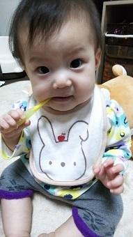 クリニカkid's歯ブラシを口に入れている赤ちゃん,コズレ,プレゼント,当選
