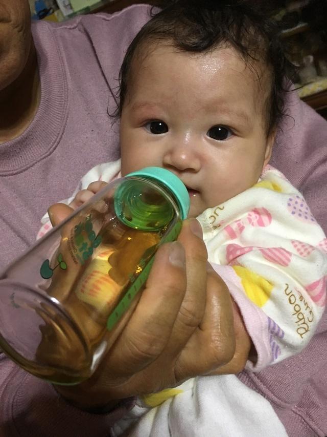 和光堂元気っちを飲んでいる赤ちゃん,コズレ,プレゼント,当選