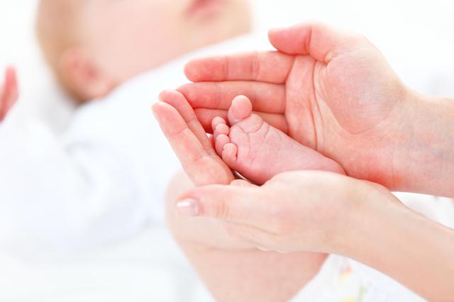 赤ちゃん足ママ手,赤ちゃん,肌トラブル,保湿