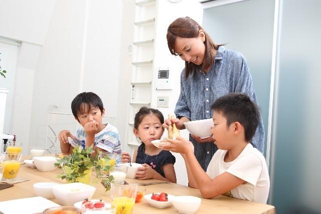 食事風景,赤ちゃん,コップ練習,方法